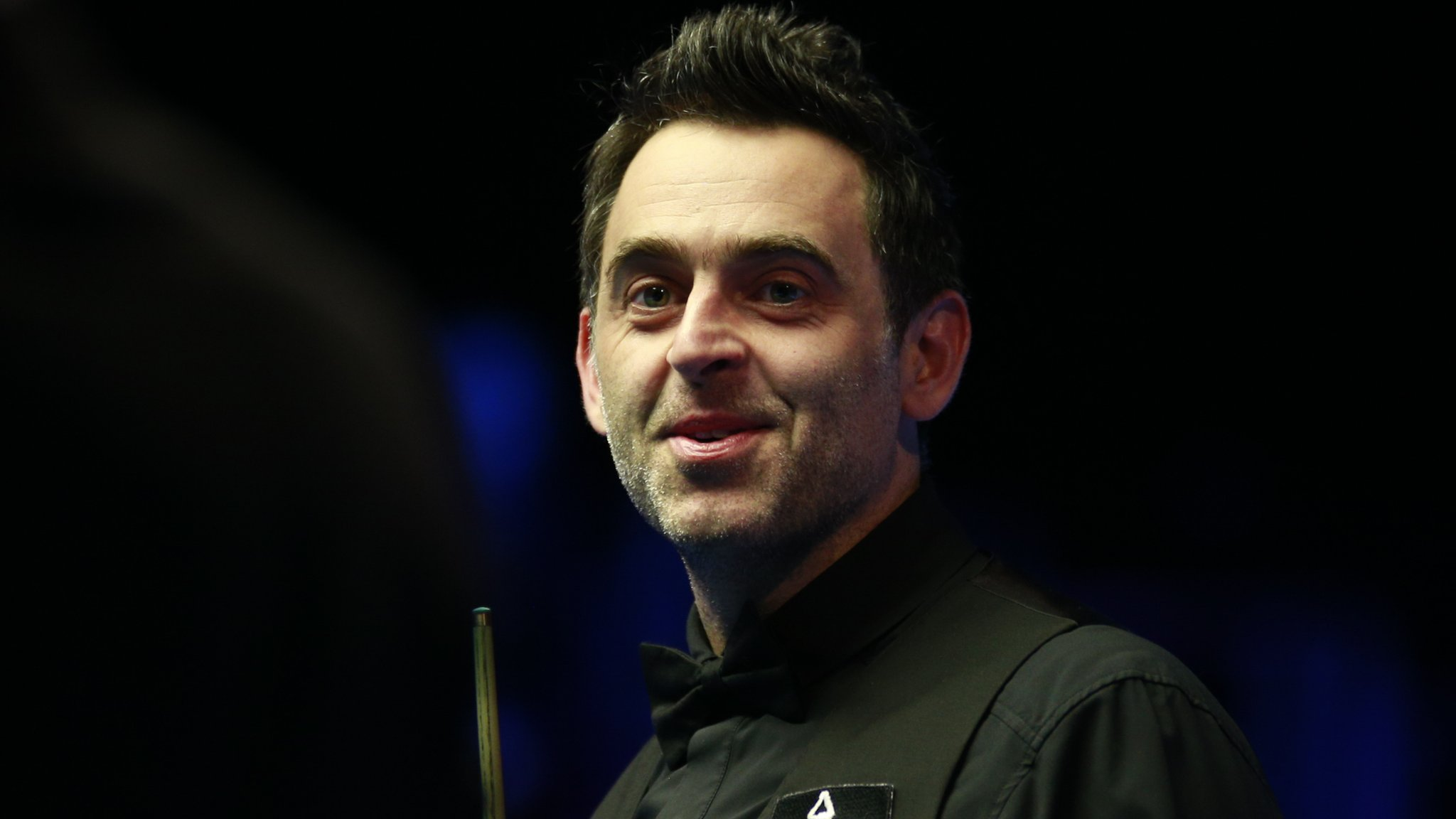 Tour Championship: Ronnie O'Sullivan comes back to beat Judd Trump in thriller