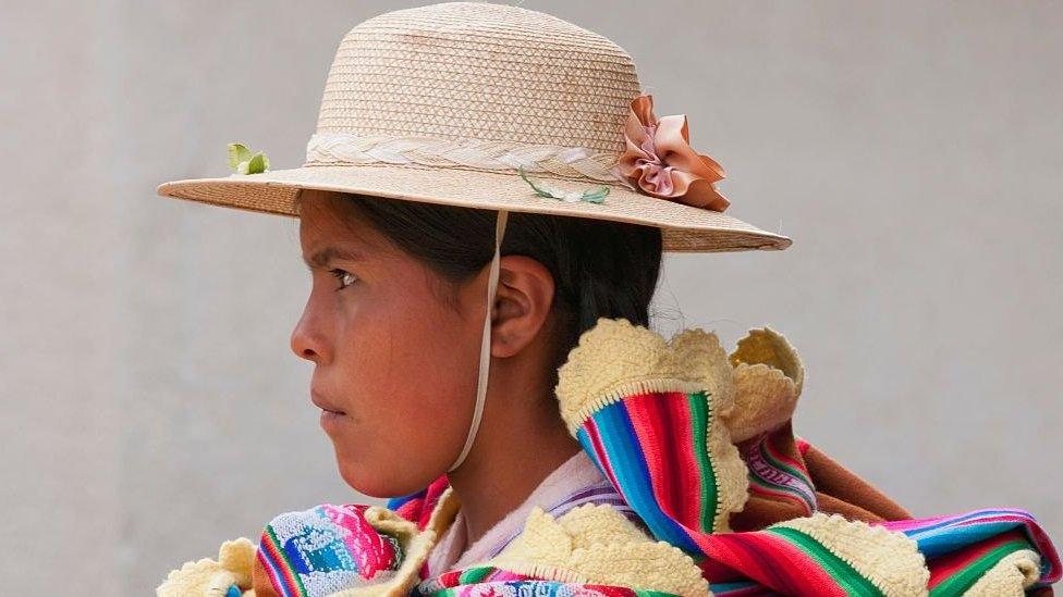 خفضت بوليفيا في عام 2014 الحد الأدنى لسن العمل بشكل قانوني من 14 إلى 10 سنوات