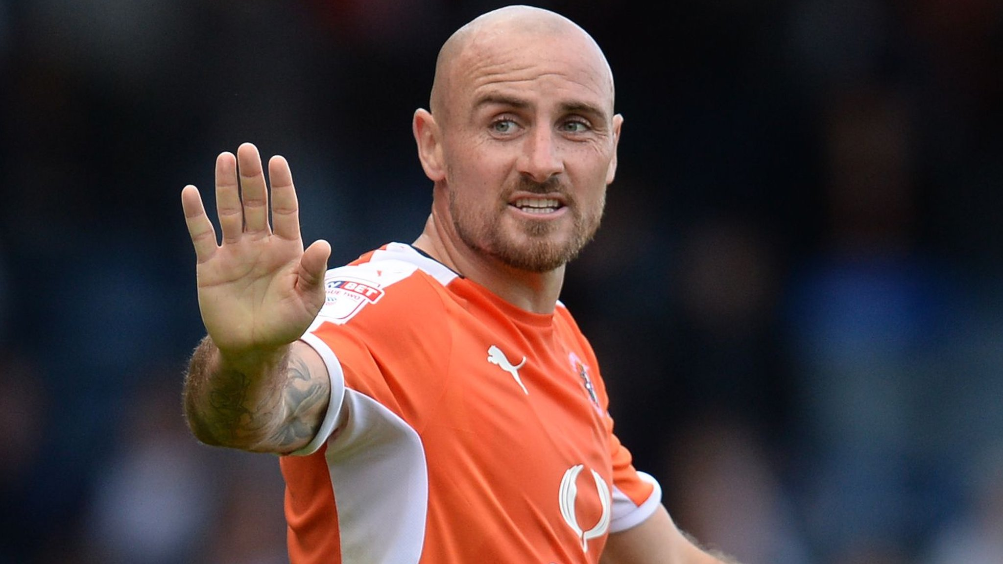 Alan McCormack: Luton Town midfielder signs one-year contract extension