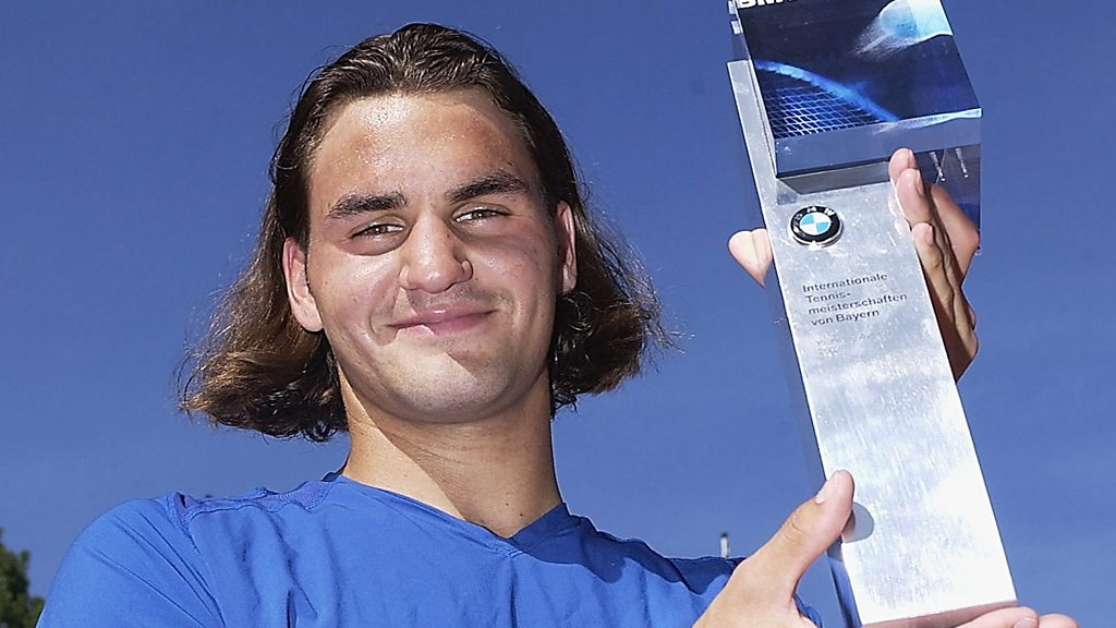 Federer through the ages - 100 photos with every trophy