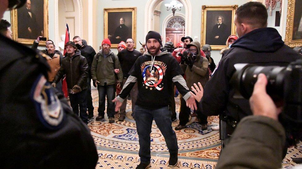 Manifestantes en el Capitolio
