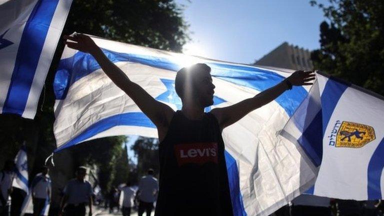 Израильские националисты прошли маршем по Восточному Иерусалиму