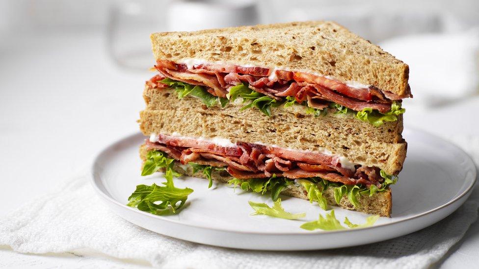 Un sándwich Greencore BLT