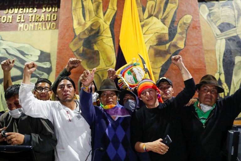Indígenas se manifiestan en la Asamblea Nacional