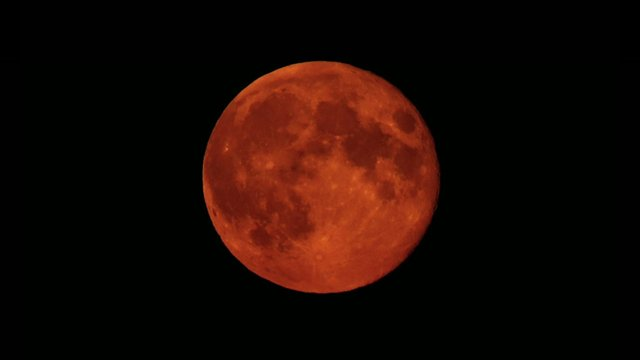 A red moon