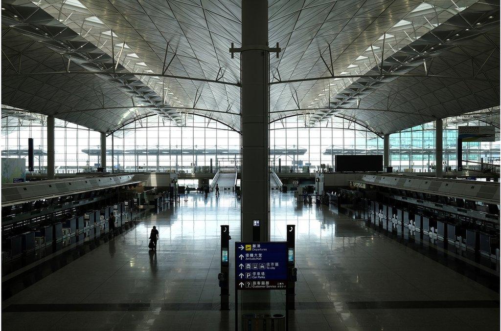 香港保安局的數據顯示,今年2月至5月共有20多萬名獲豁免人士入境香港。