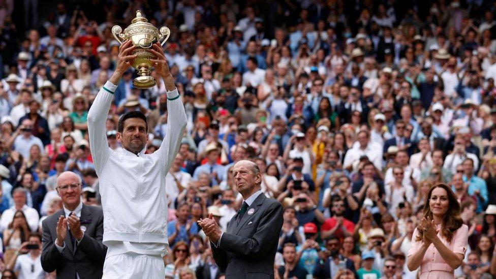 Novak Djokovic ganó por sexta vez la final de Wimbledon.