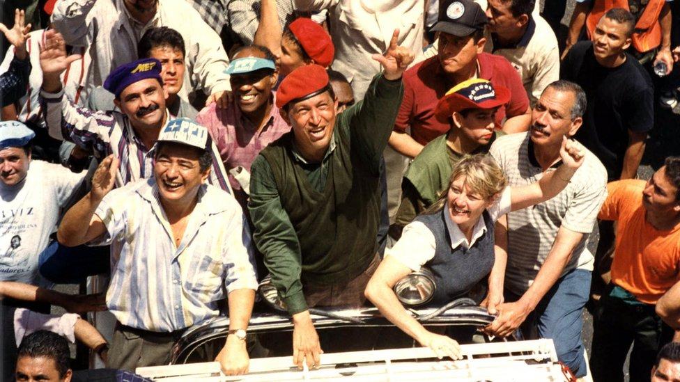 El presidente Hugo Chávez durante una campaña electoral.