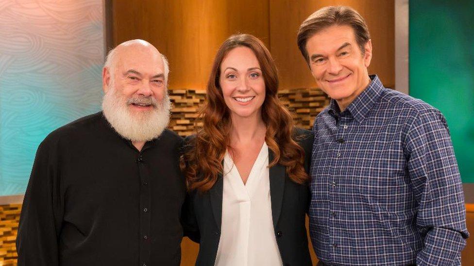 Grac, The Dr Oz Show'un da aralarında bulunduğu televizyon programlarına katıldı.