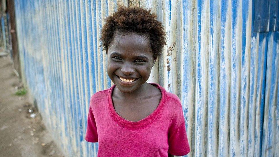 niña en Bougainville