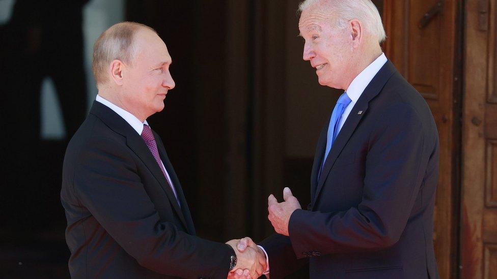 Информация о личных счетах Путина и ответные кибератаки. О чем Байден предупредил президента России?