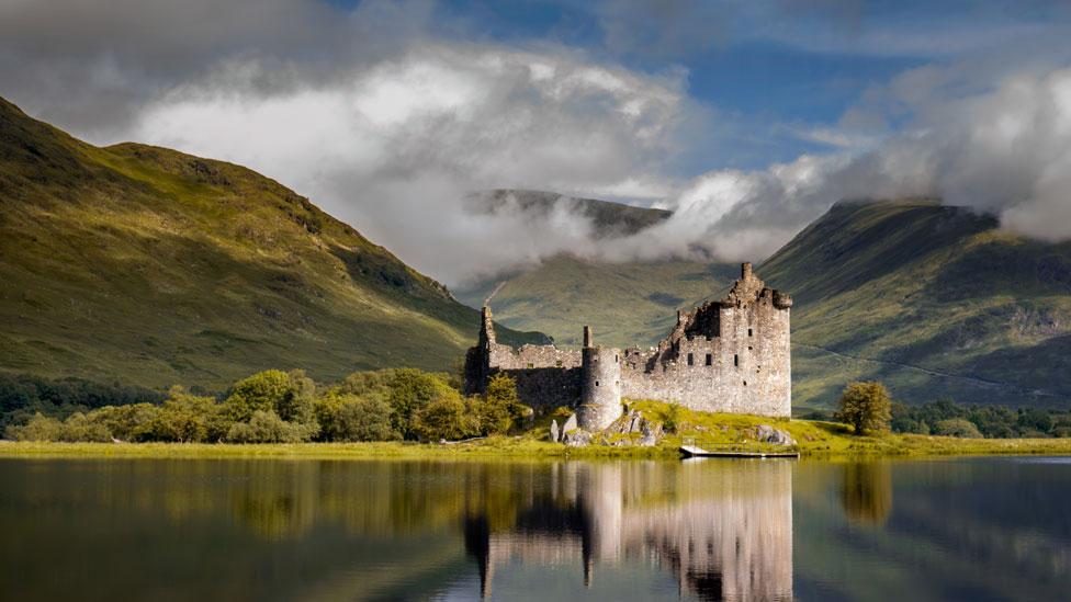 Kilchurn Castle en Loch Awe, Escocia