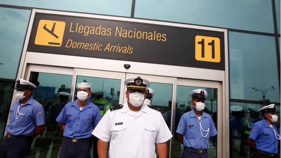 Seguridad en el aeropuerto de Lima