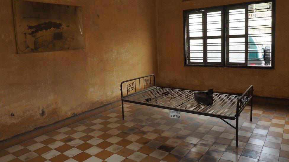 吐斯廉屠殺紀念館內一個用以刑訊逼供的房間(資料圖片)