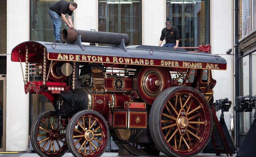 Rare 1930s 'showmans road locomotive'