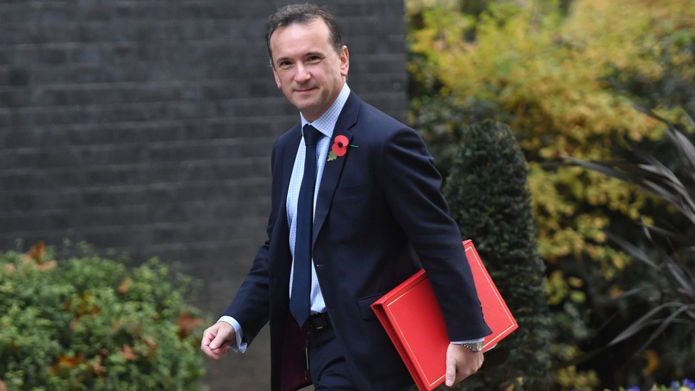 Welsh Secretary Alun Cairns arrives for a Cabinet meeting in Downing Street, London on 5 November