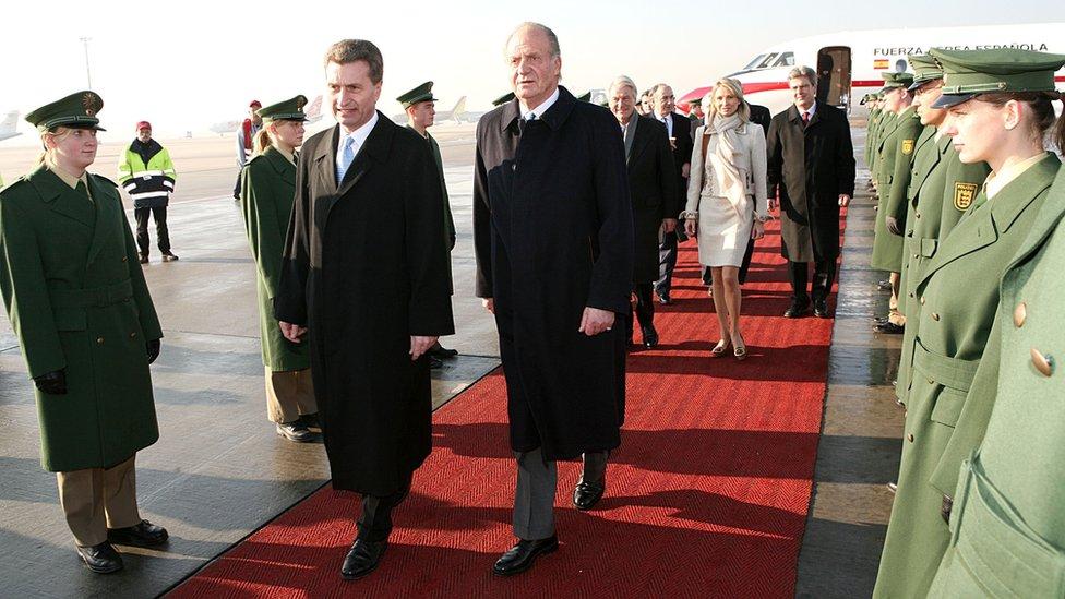 Tvrdi se da je odnos bivšeg kralja trajao nekoliko godina od 2004. godine