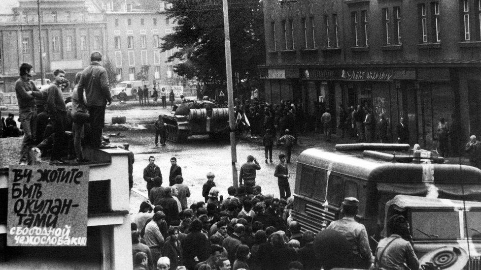 Радянські танки в Чехословаччині