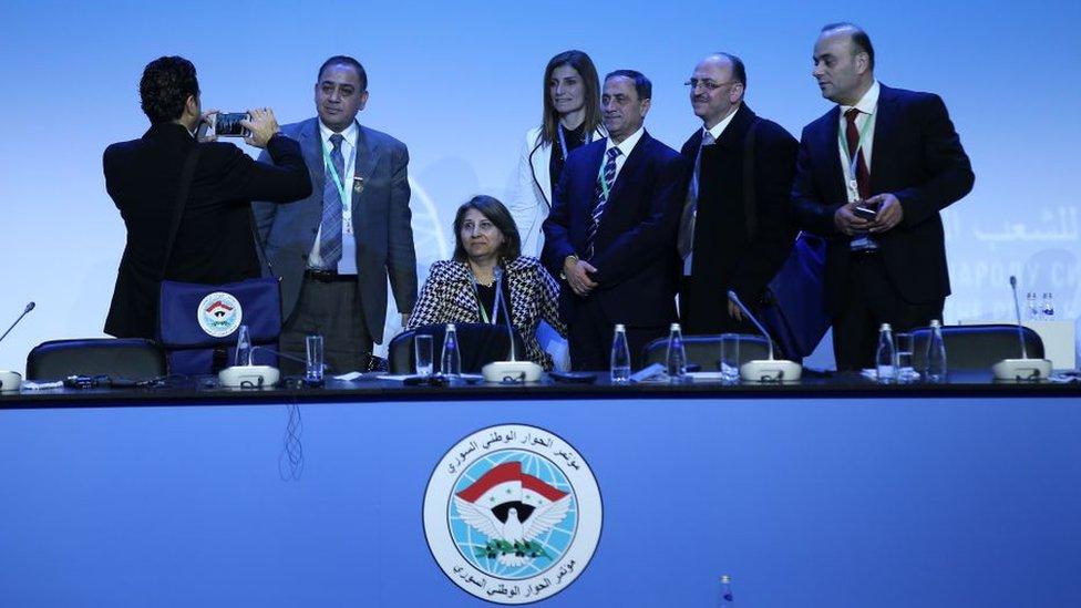 Komite'de Suriye hükümeti, muhalifler ve BM davetlileri 50'şer üye ile temsil ediliyor.