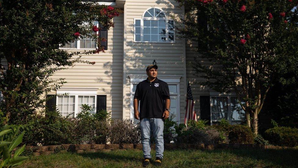 Zia en su casa en Carolina del Norte