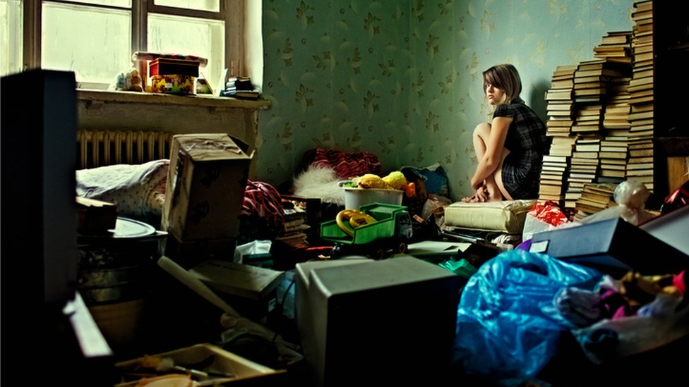 Conference in Edinburgh to focus on hoarding disorder - BBC News