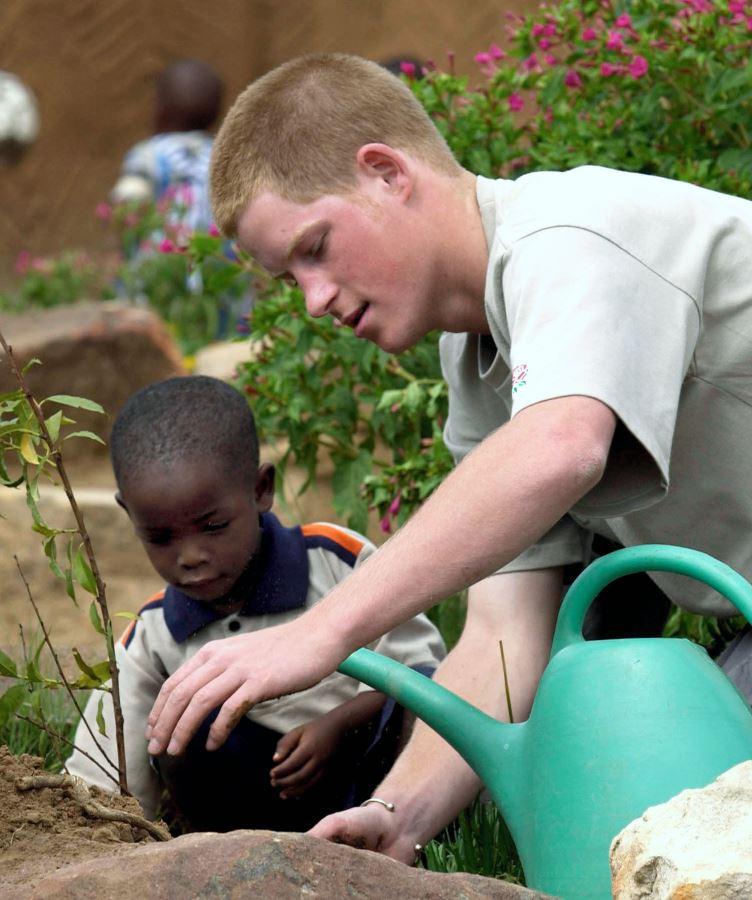 U sklopu godinu dana pauze, princ Hari je proveo vreme u sirotištu u Lesotu, u južnoj Africi