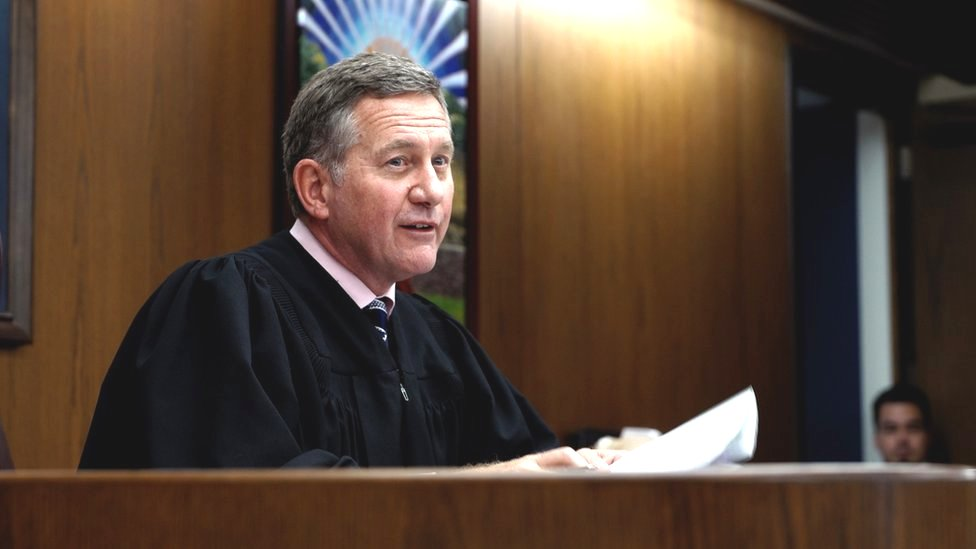 法官保羅·赫爾伯特(Paul Herbert)