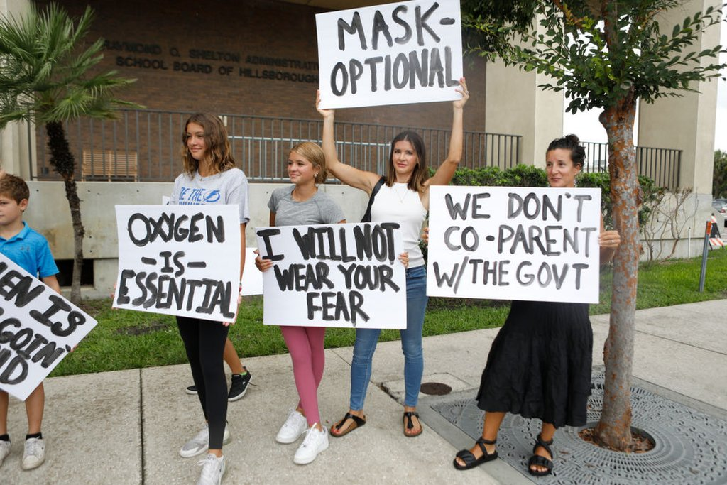 Protesta contra las mascarillas