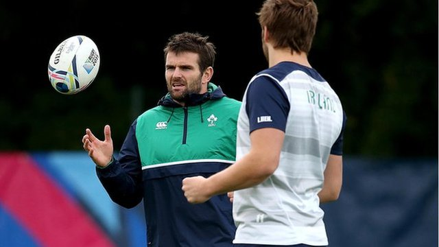 Ireland centre Jared Payne has pulled out of the Ireland squad with a fractured foot