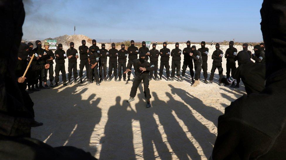 مقاتلون من فصائل إدلب المعارضة