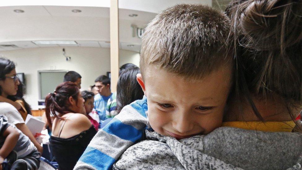 El centro Shiloh recibió a niños separados de sus padres en la frontera sur, según dijeron abogados que demandaron a la instalación.