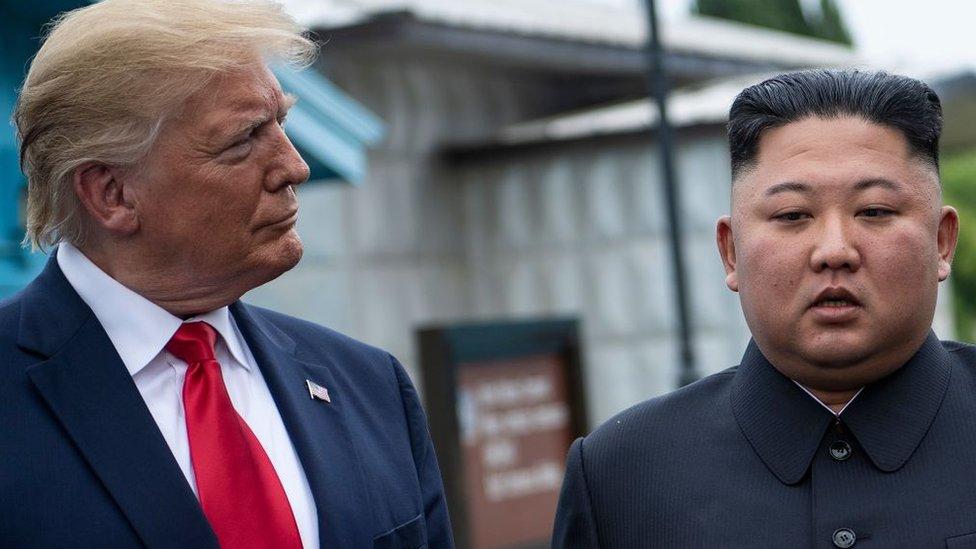 Donald Trump ve Kim Jong-un
