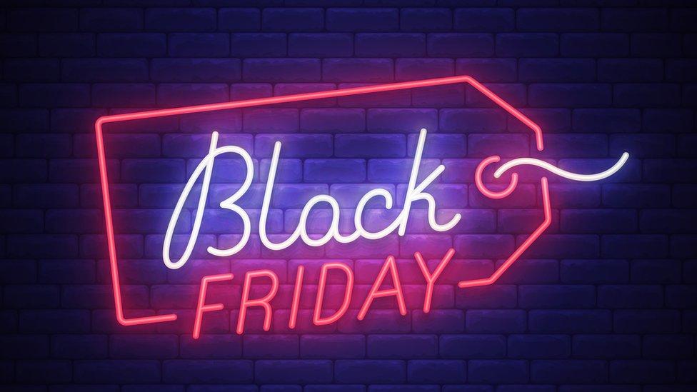 Anuncio de promoción del Black Friday