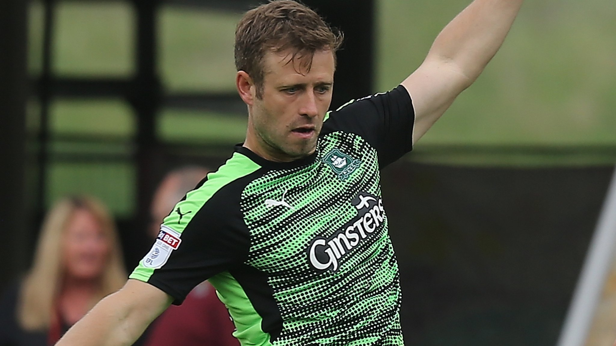 David Fox: Plymouth Argyle midfielder agrees new deal at Home Park