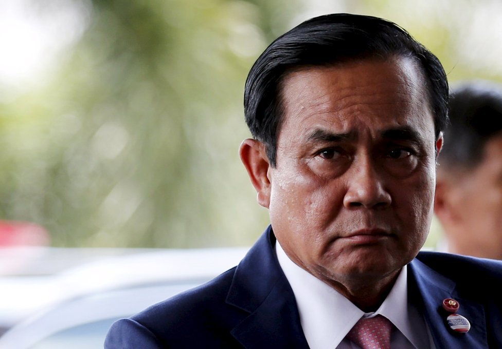 Thailand's Prime Minister Prayuth Chan-ocha arrives at a meeting with his economic cabinet at the Army club in Bangkok, 3 September 2015