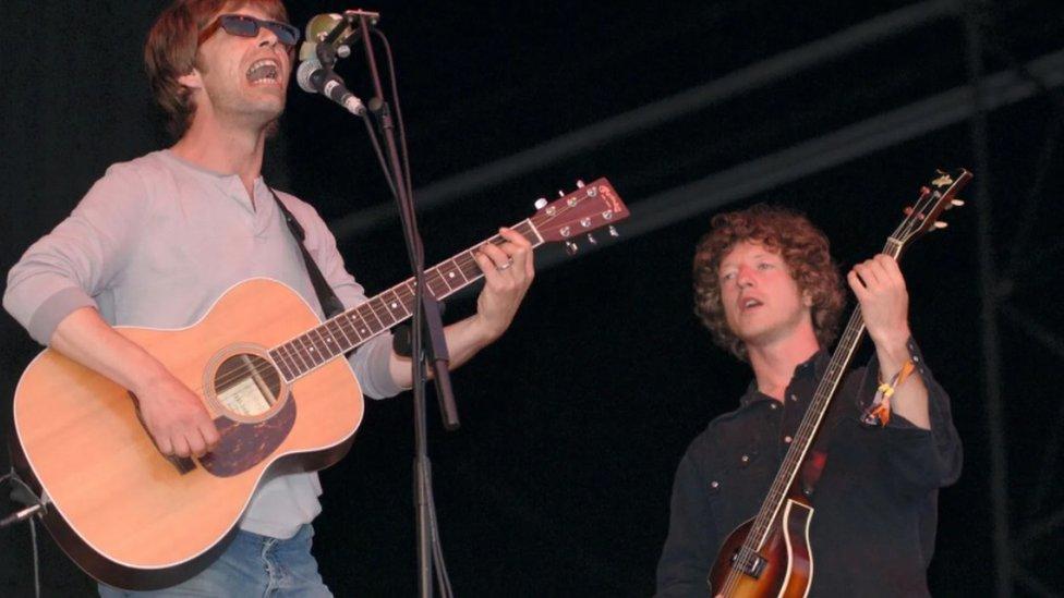 Mejvers i Džon Pauer su se ponovo ujedinili kako bi krenuli na turneju 2005, u okviru koje su svirali na Glastonberiju, ali je to okupljanje bilo kratkog daha