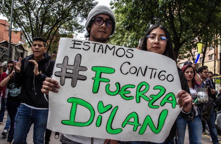 cartel de apoyo a dilan