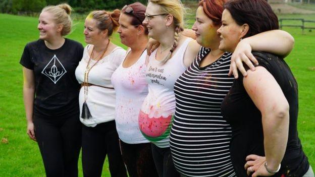 代孕女子們