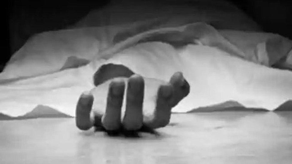 दिल्ली: पत्नी की हत्या कर लाश के साथ रात भर सोया- प्रेस रिव्यू