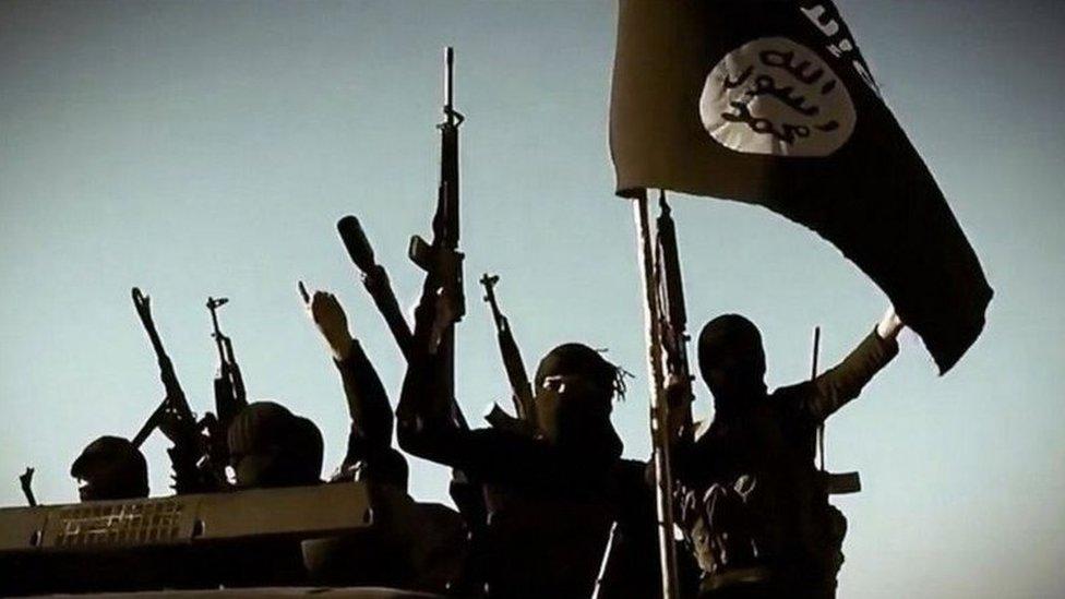 تنظيم الدولة الإسلامية يميل إلى التطرف والعنف بصورة تفوق تنظيم القاعدة