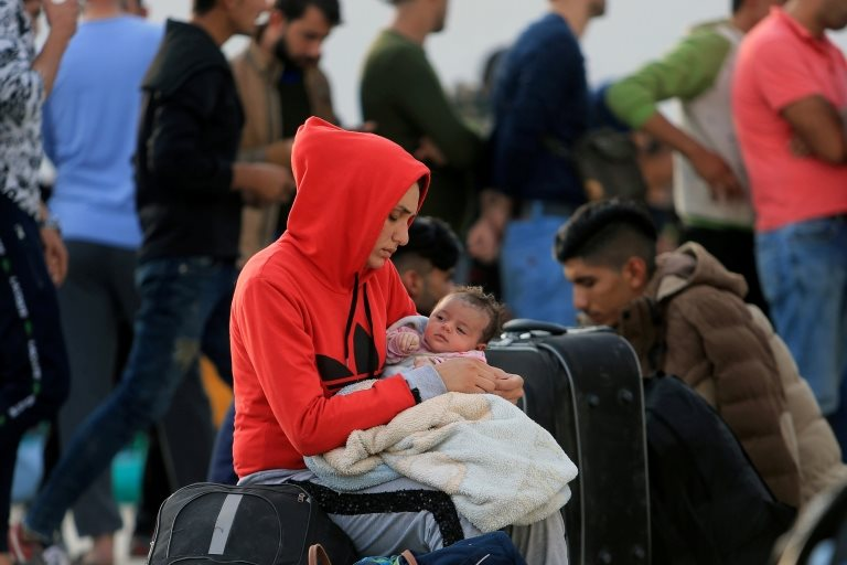 Barış Pınarı Harekatı'nın ardından Suriye'den Irak'a geçen bir mülteci aile