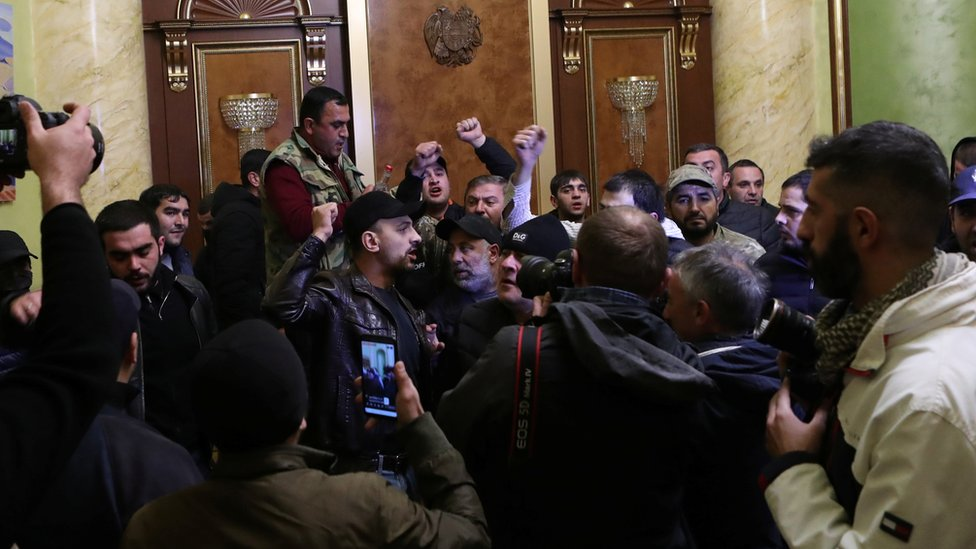 People storm government headquarters in Yerevan 10 November 2020