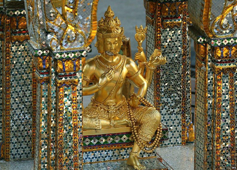 Statue of Brahma at the Erawan Shrine, Bangkok (19 Aug 2015)
