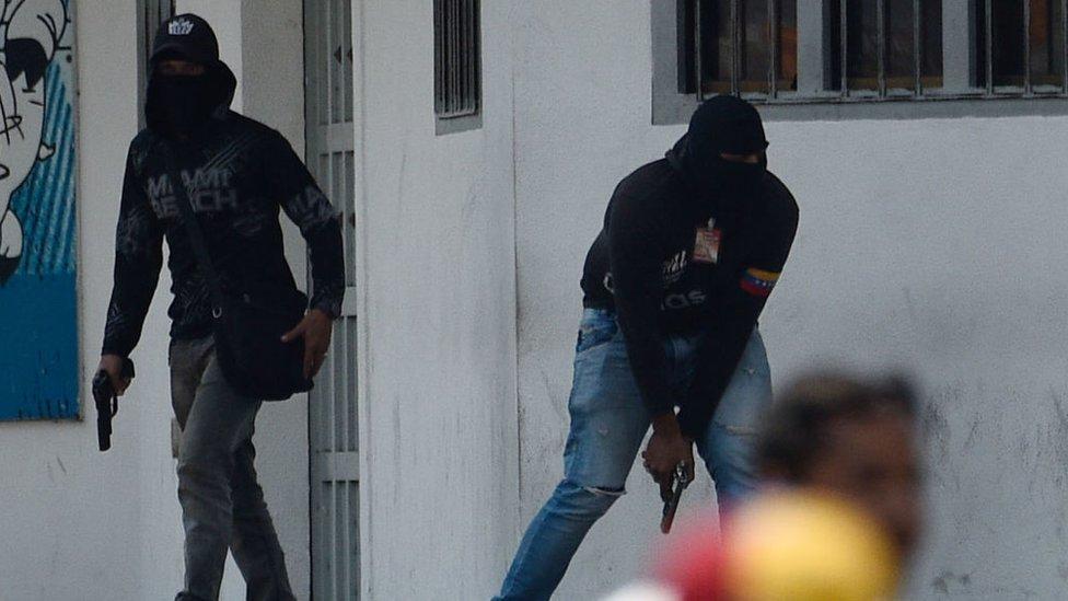 La dura respuesta de los cuerpos de seguridad y la actuación de otros grupos armados derivó en un elevado número de heridos.
