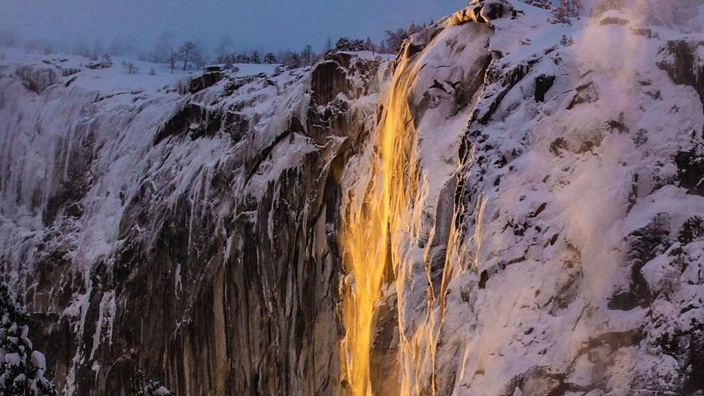 'Firefall' in Yosemite National Park stuns visitors