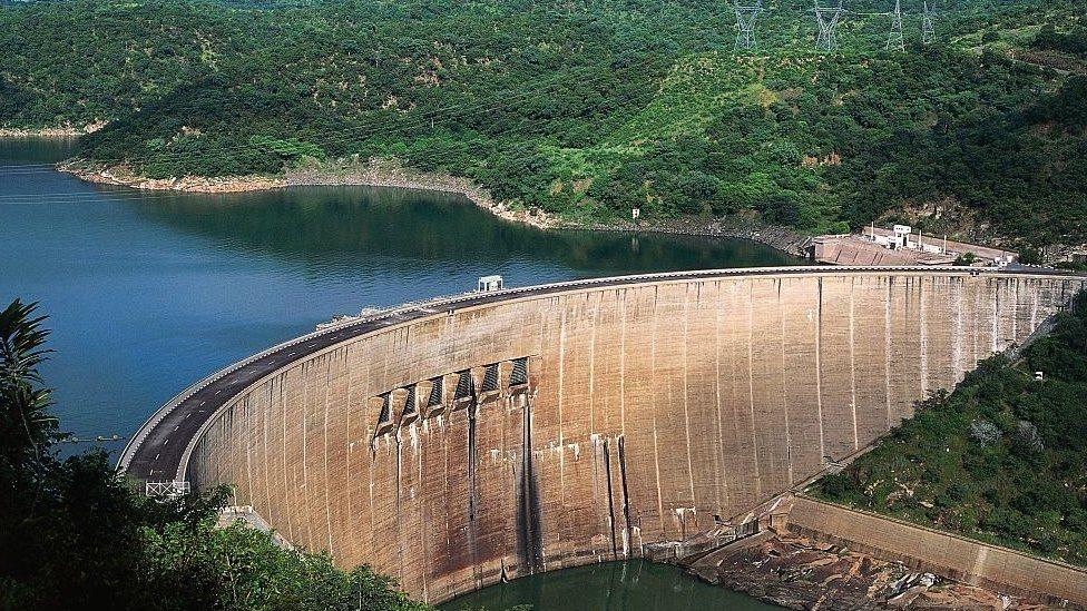 津巴布韋卡裏巴水壩