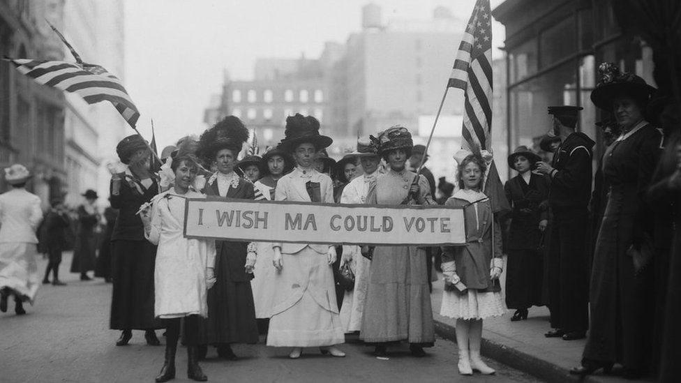 Mujeres en una protesta en 1913 en Estados Unidos.