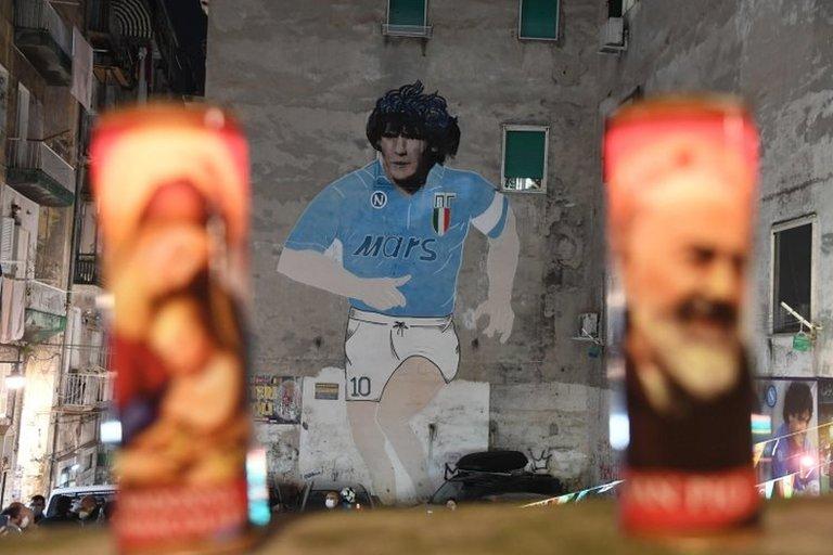 Maradona grafitisi