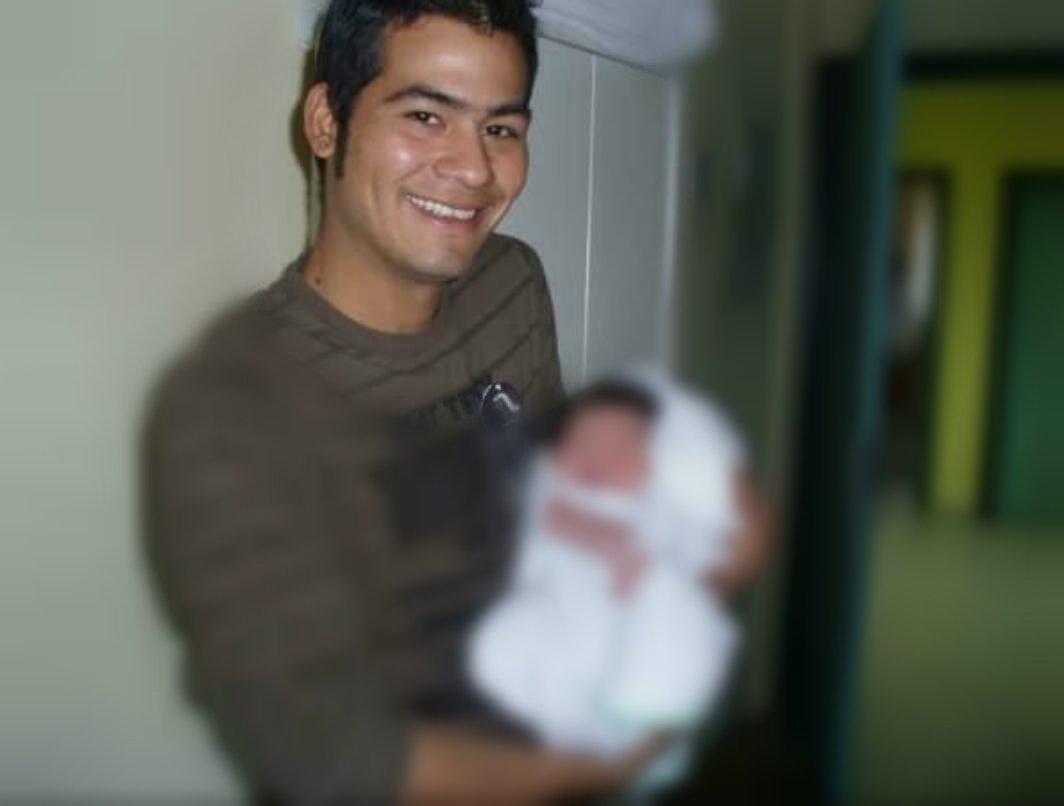 Víctor Parada con su hijo