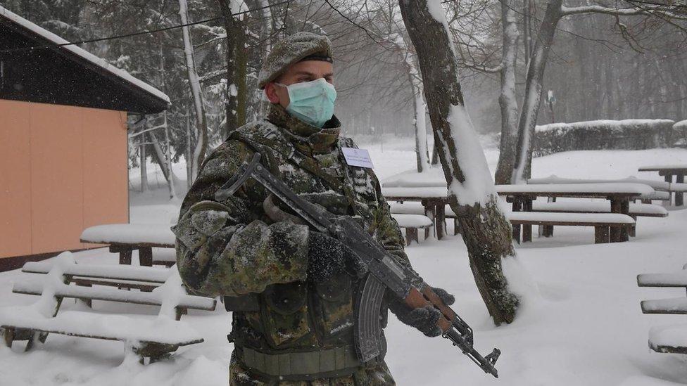 Vojska čuva objekte za karantin